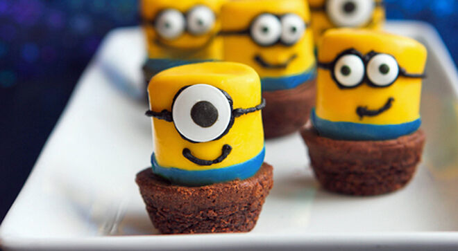 Minion party food ideas - Dipped marshmallows | Mum's Grapevine