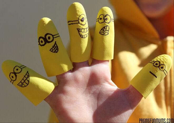 minioncraft - rubberhand