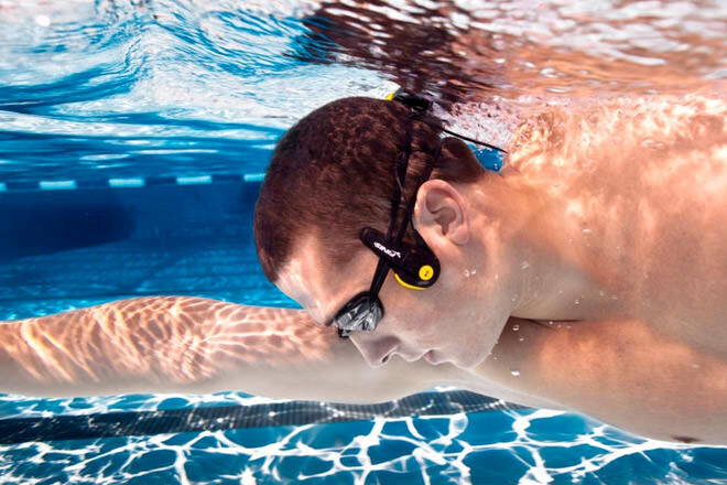 Gift Ideas for sporty dads: Finis Neptune Underwater speakers | Mum's Grapevine
