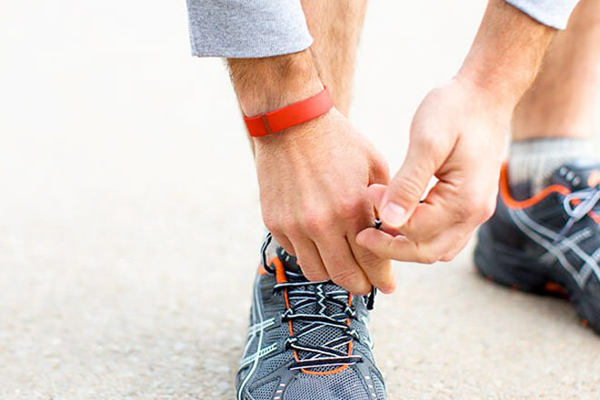 Gift ideas for sporty dads: Fitbit tracker | Mum's Grapevine