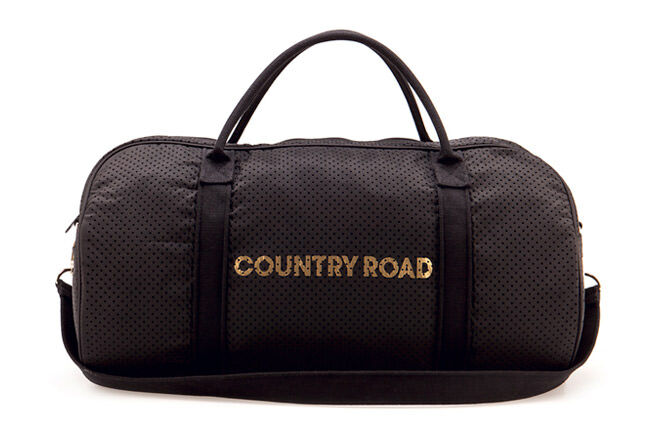 Gift ideas for the sporty dad: Country Road Tote | Mum's Grapevine
