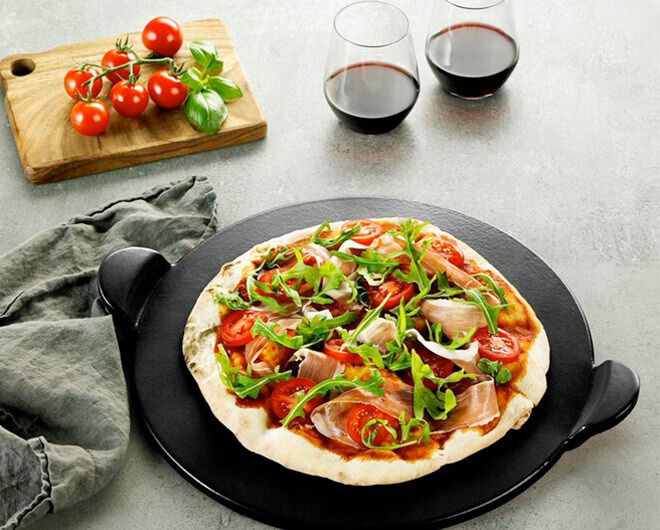 Father's Day Gift Ideas for foodie dads: Pizza stone | Mum's Grapevine