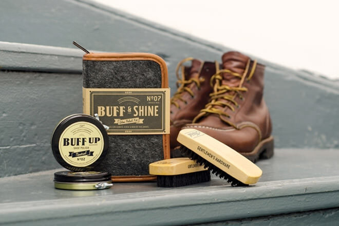 Father's Day gift ideas for the dapper dad: Shoe Polish Kit | Mum's Grapevine