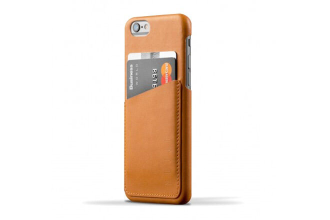 Father's Day gift ideas for the stylish dad: Leather iPhone Case | Mum's Grapevine