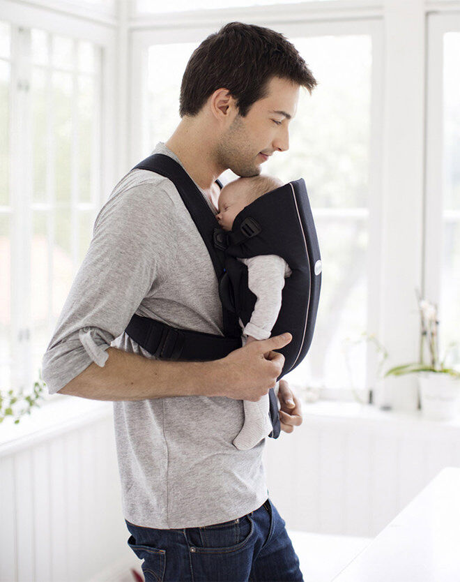 Gift Guide for New Dads: Baby Carrier | Mum's Grapevine