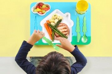 Dinner plates to make mealtimes fun