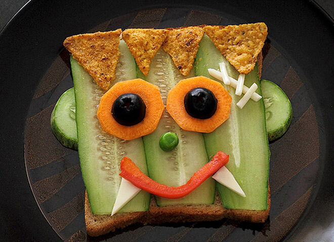 Save their favourite Halloween character for their sandwich! This Frankenstein looks super cool made from carrots and cucumbers.