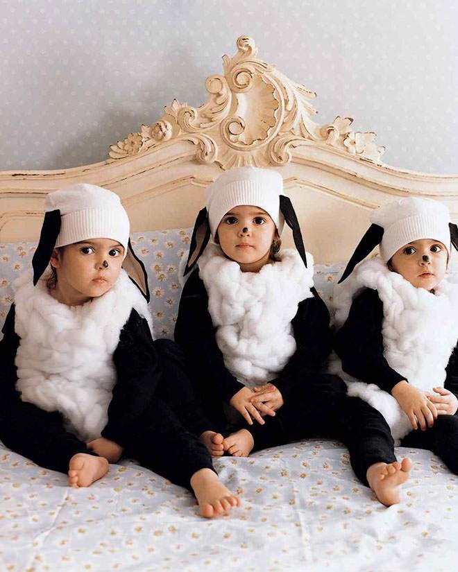 Baa Baa Black Sheep Halloween costume idea. The cutest sheep ever!