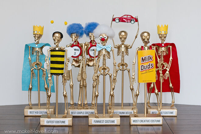 Award the best and cutest guests at your Halloween party with a trophy that will scare and delight.