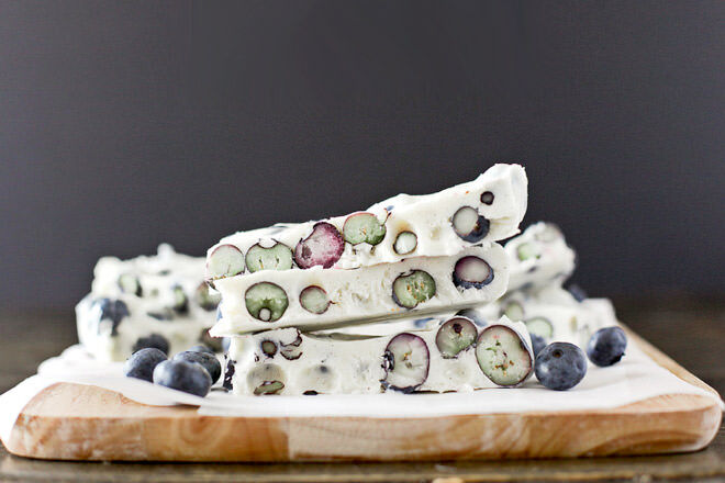 Blueberry yoghurt bark recipe for the whole family to enjoy on hot summer days