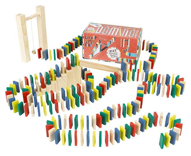 Domino rally set