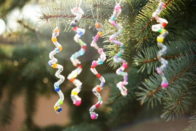 Simply twirl pipe cleaner around a pencil to form these icicle tree ornaments