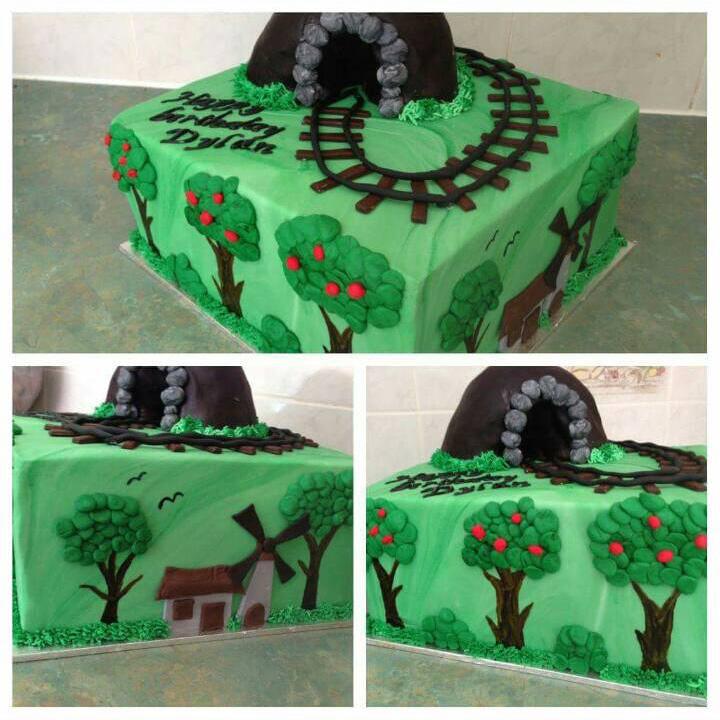 thomas - train cake