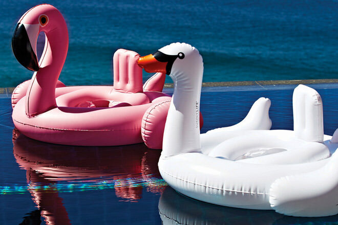Sunny Life inflatable baby flamingo pool toys