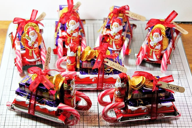 Candy-Cane-Chocolate-Sleds