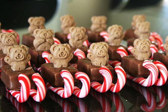 Candy-cane-tiny-teddy-treat