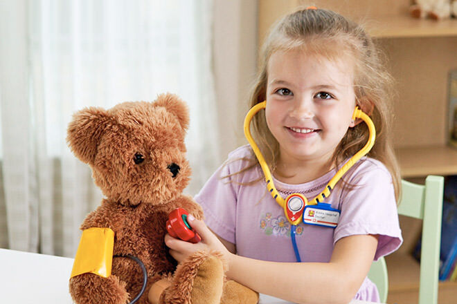 Dr on duty: 19 toys for kids who like to play Doctor | Mum's Grapevine