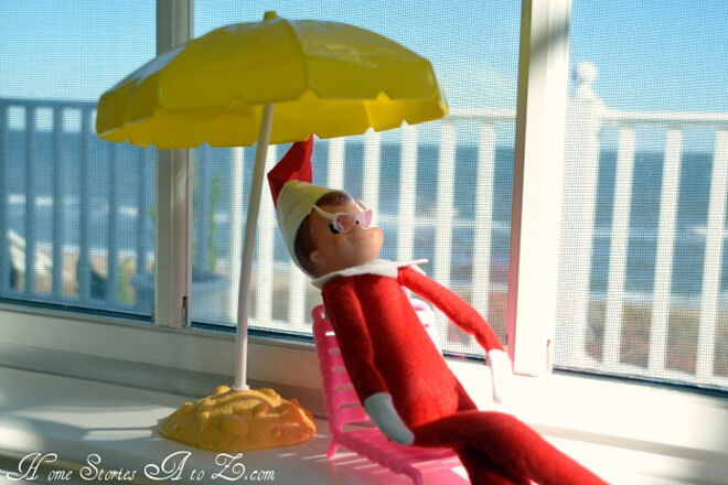 Elf on the Shelf on vacation