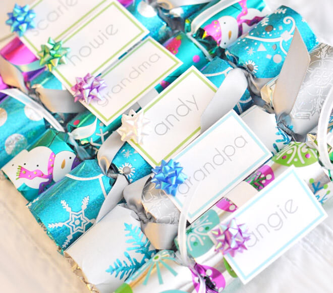 12 easy diy bon bons for a festive feast mums grapevine easy diy christmas crackers and name cards solutioingenieria Gallery