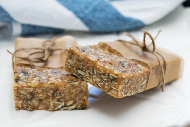 No-bake nut-free muesli bar