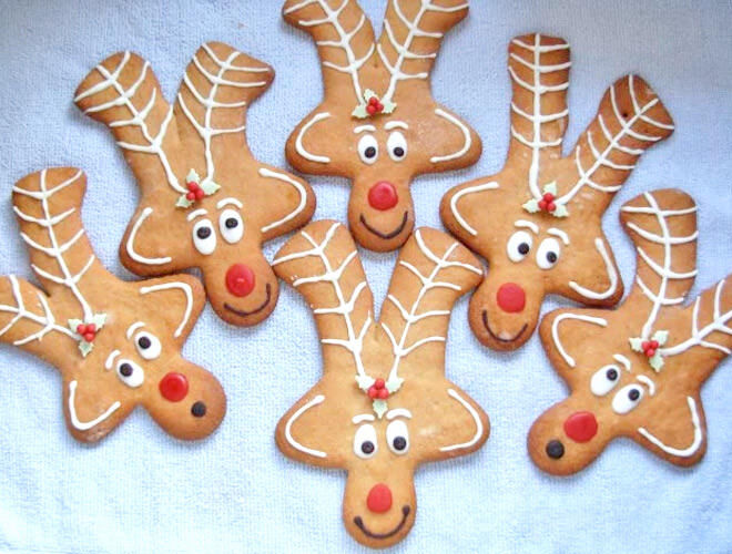 Turn those regular gingerbread men upside down and you'll have reindeer shaped gingerbread - so clever!