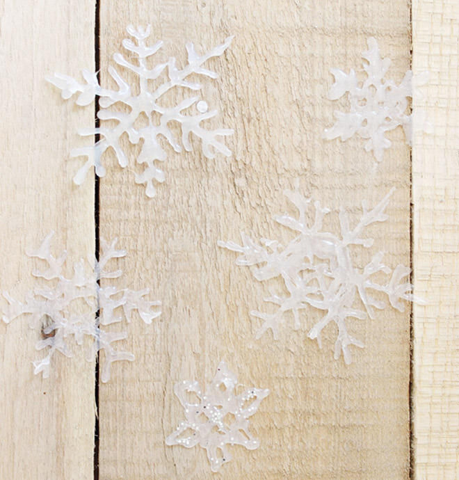DIY Easy Hot Glue Gun Snowflakes