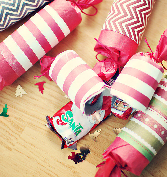 12 easy diy bon bons for a festive feast mums grapevine easy diy christmas crackers solutioingenieria Gallery