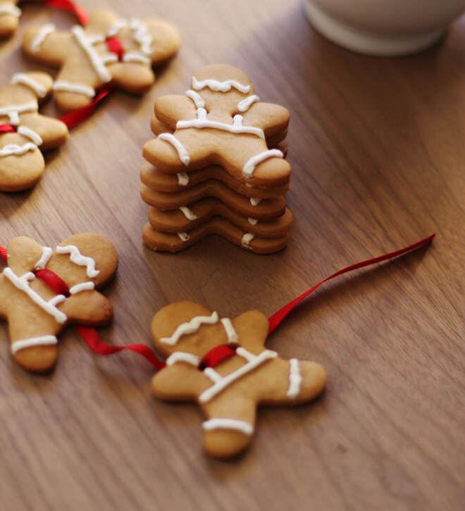 Edible gingerbread Christmas garland