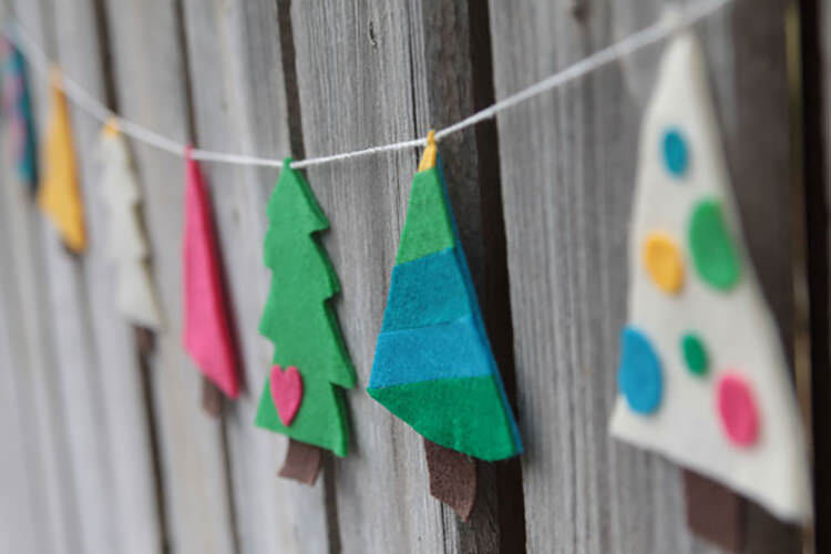 16 Diy Christmas Garlands For The Holidays Mum S Grapevine