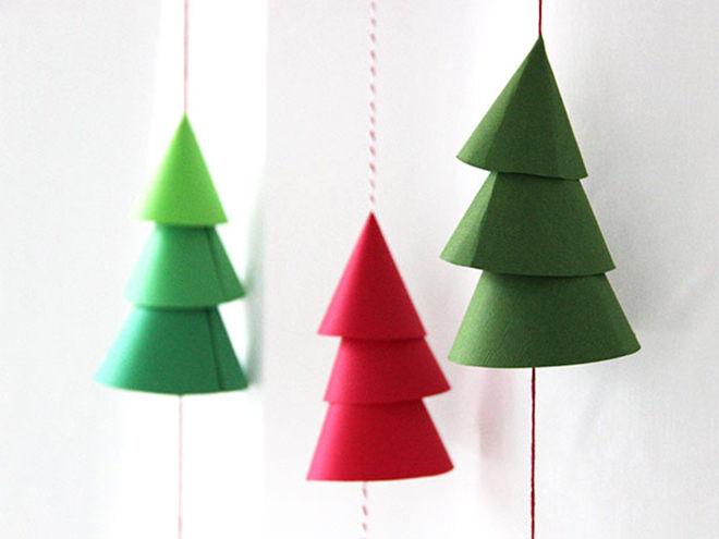Vertical paper tree Christmas garland