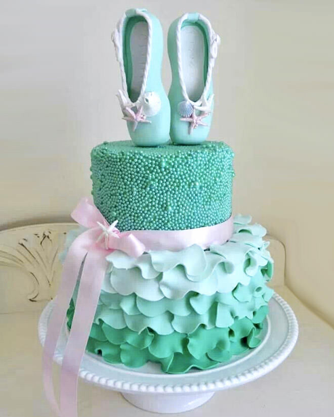 Cake Decorations Ballet Shoes : 17 ballerina cakes for your tiny dancer Mum s Grapevine