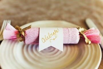 12 DIY Christmas crackers | Mum's Grapevine