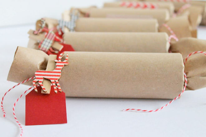 DIY Christmas Crackers with Brown Paper