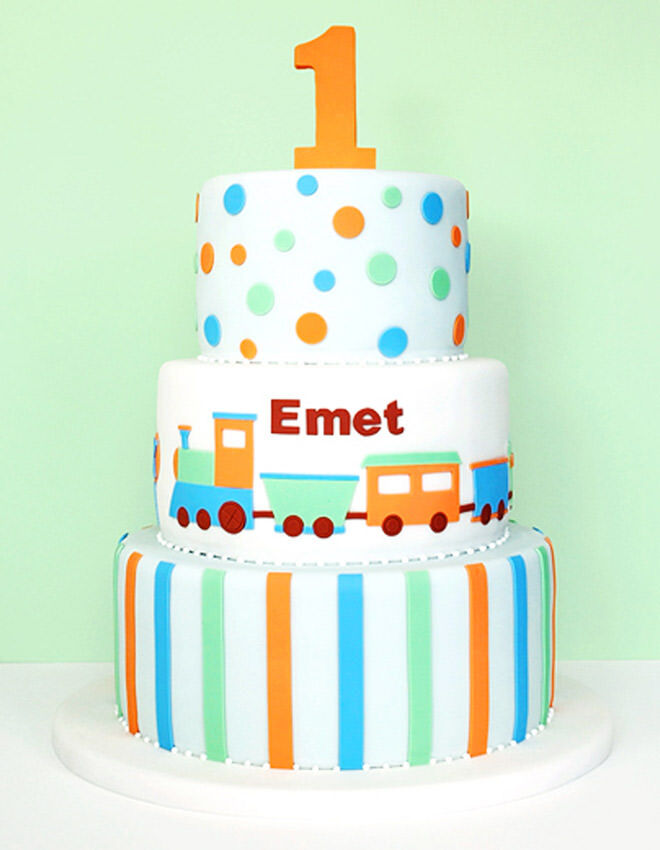 ... skills with fondant, this cake is a stunner. (via Eat Cake Be Merry