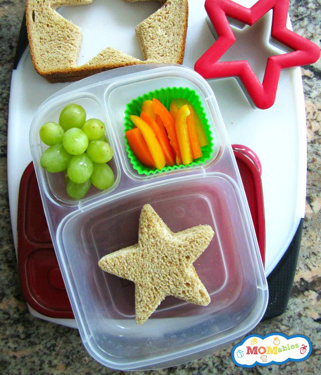 Sandwiches in shapes - easy ways to make an awesome kids lunchbox.
