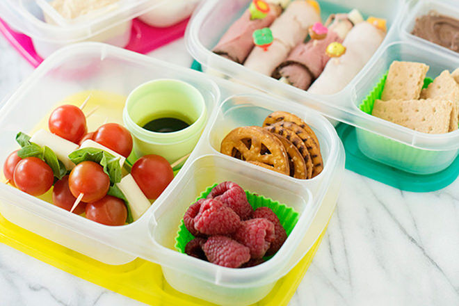 Ways to pack an awesome and healthy lunchbox