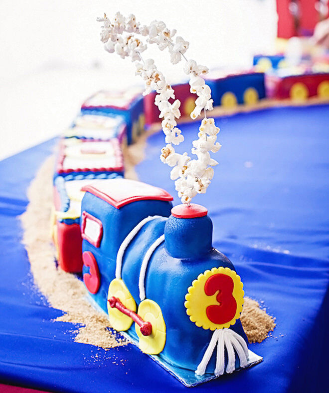 Ideas for making a train cake.