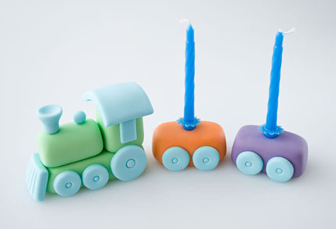 Cake topper - ideas for your next train cake.