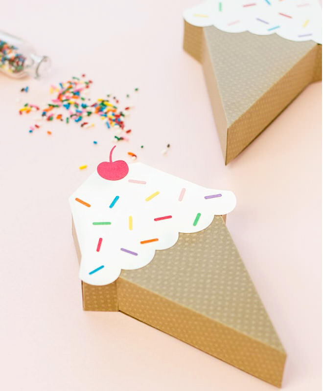 How to throw a deliciously fun ice cream party | Ice cream favour boxes