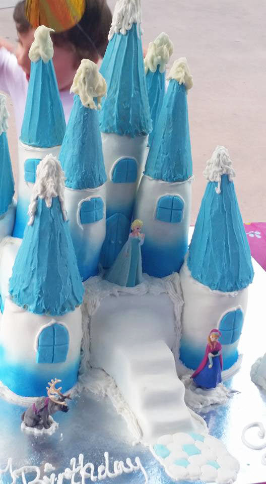 101 Frozen Cakes from Mum's Grapevine