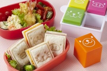 Square sandwich cutter and animal sandwich stamps