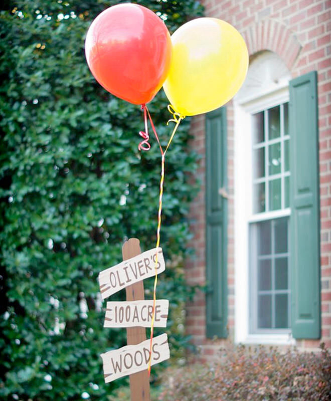 Winnie the Pooh party - 100 Acre Wood welcome sign