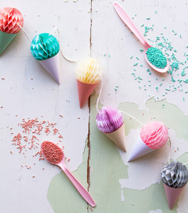 Ice Cream Garland - how to throw a deliciously fun ice cream party.