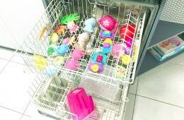 9 ways to clean bath toys | Mum's Grapevine
