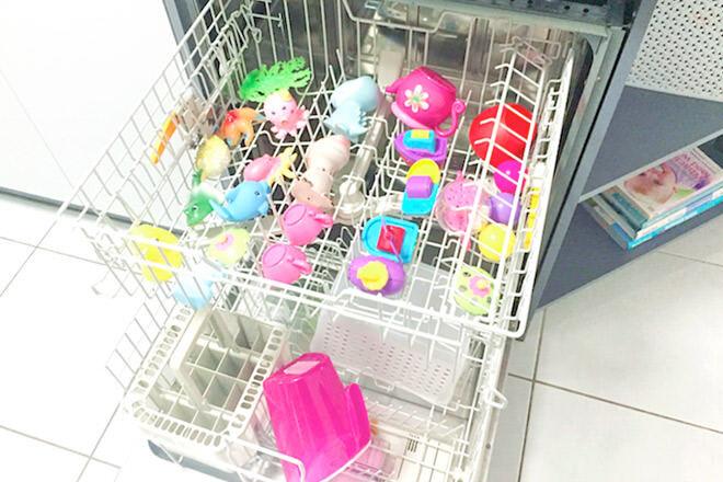 clean bath toys in a dishwasher