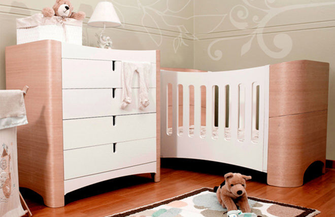 choosing the right cot for baby