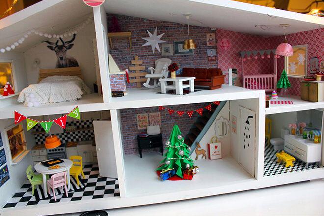 Christmas fun - how to do a DIY Dolls House Reno