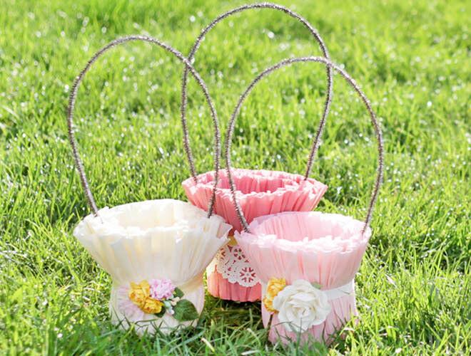 DIY crepe paper Easter baskets