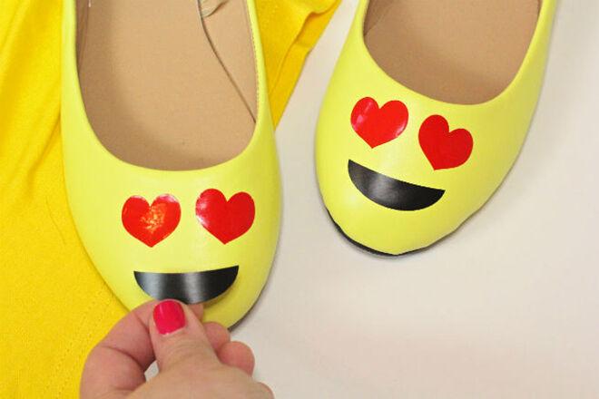 Brite and Bubbly - DIY Emoji Shoes