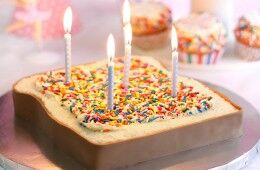 airy birthday cakes feature